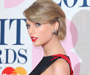 Taylor Swift and brit awards image