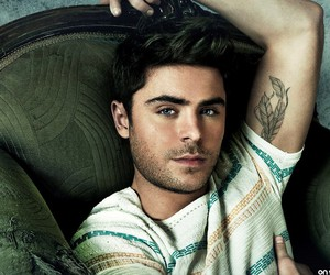 zac efron and boy image