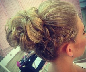 hairstyle and fashion image