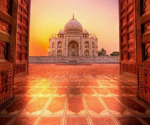 india, sunrise, and taaj mahal image