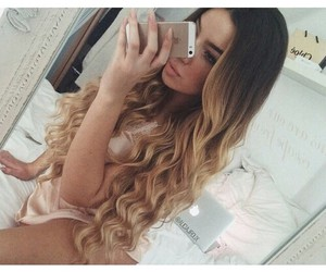 beautiful, selfie, and ombre hair image