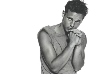 black and white, justin chambers, and alex karev image