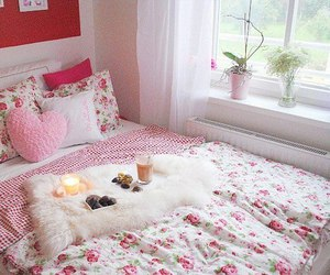 beautiful, heart, and cushions image