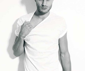 actor, beautiful guy, and Jamie Dornan image