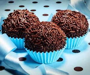brigadeiro, chocolate, and mickeymouse image