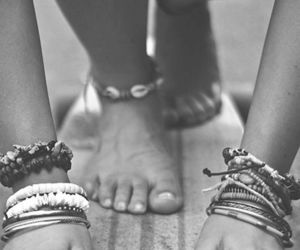 b&w, black and white, and hippie image