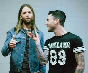 maroon 5, adam levine, and v image