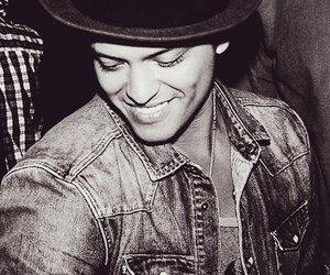 bruno mars, bruno, and smile image