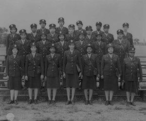 1940 and army nurses image