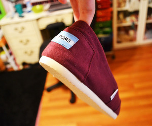 toms, photography, and red image