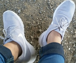 nike, shoes, and rosherun image