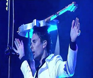 Matt Bellamy and muse image