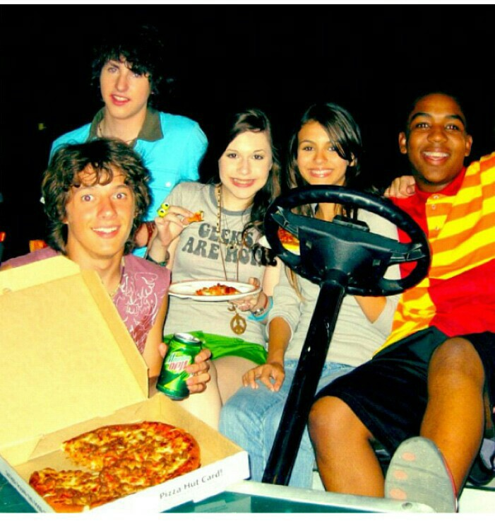 Zoey 101 Cast Uploaded By Annatoria On We Heart It