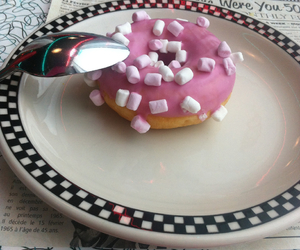 donut, food, and marshmallow image