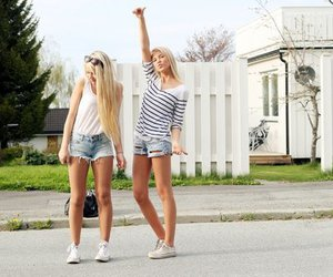 girl, blonde, and friends image