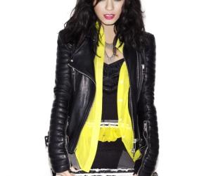 dark hair and vanessa hudgens image