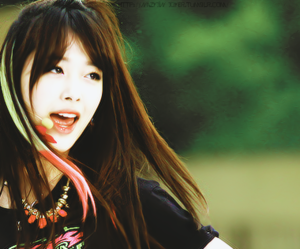 f(x), sulli, and electric shock image
