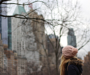 beanie, big apple, and blonde image