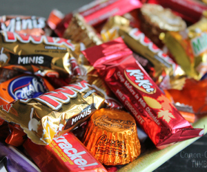 candy, chocolate, and Twix image