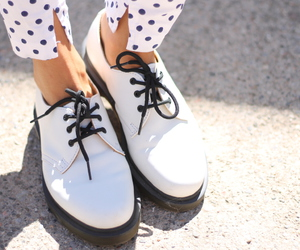 Blanc, chaussure, and tumblr image