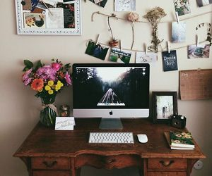 bedroom and desk image