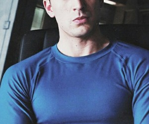 chris evans, the avengers, and capitan america image