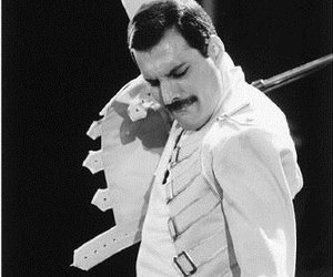 Freddie Mercury, Queen, and music image
