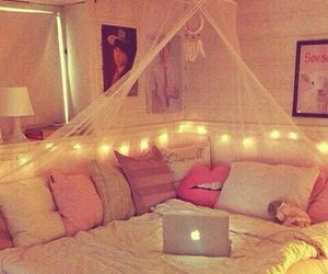 bedroom, fairylights, and lights image