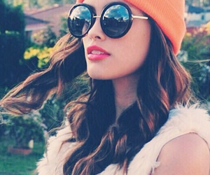beanie, classy, and curls image