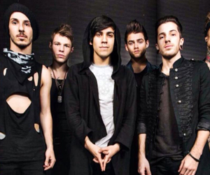 saved my life, my favorite band, and crown the empire image