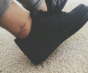 girls, outfits, and black nikes image