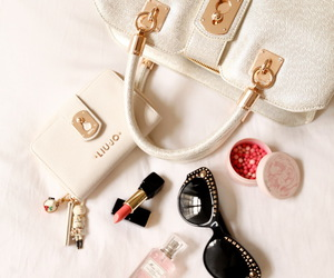 fashion, gold, and makeup image
