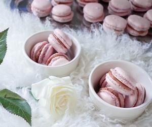 caramel, macrons, and caramel macron image