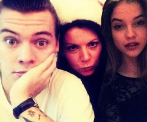 Harry Styles, gemma styles, and family image