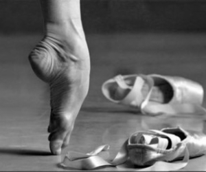b&w, ballerina, and beautiful image