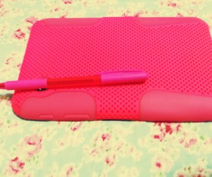 pink, tablet, and pincel image