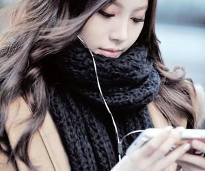 yura and girl's day image