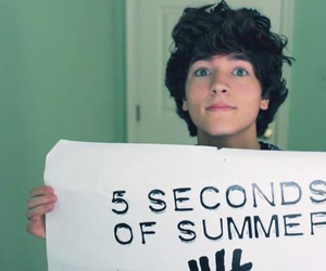 exclamation point, 5 seconds of summer, and paul zimmer image