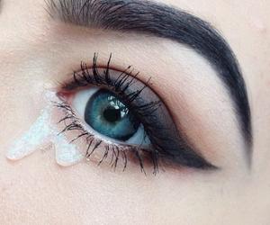 makeup and eyebrow image