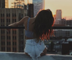 girl, city, and beauty image