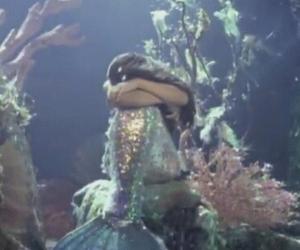 crying, grunge, and mermaid image