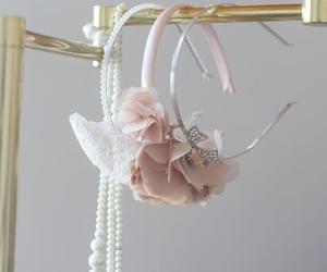 fashion, headband, and pearls image