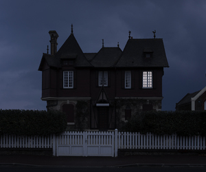 dark, house, and grunge image
