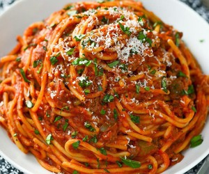 food, spaghetti, and beauty image