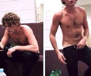 daddy, ashton irwin, and 5 seconds of summer image