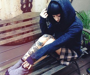 tattoo, hannah snowdon, and drop dead image