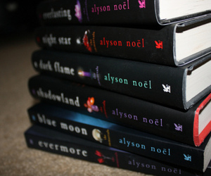 alyson noel and books image