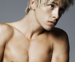Hot, maxxie, and skins image