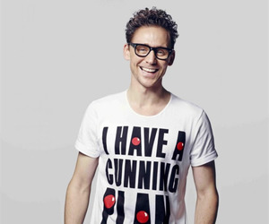 tom hiddleston, handsome, and actor image