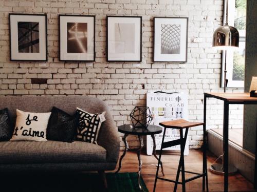 brick, home, and lights image